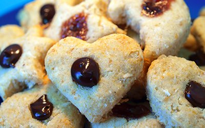 Healthy and vegan coconut cookies
