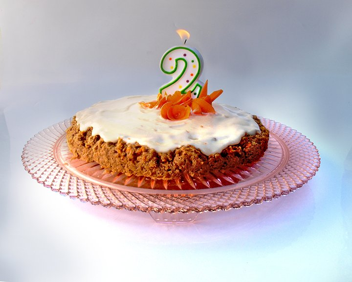 Carrot cake with basic buttercream topping