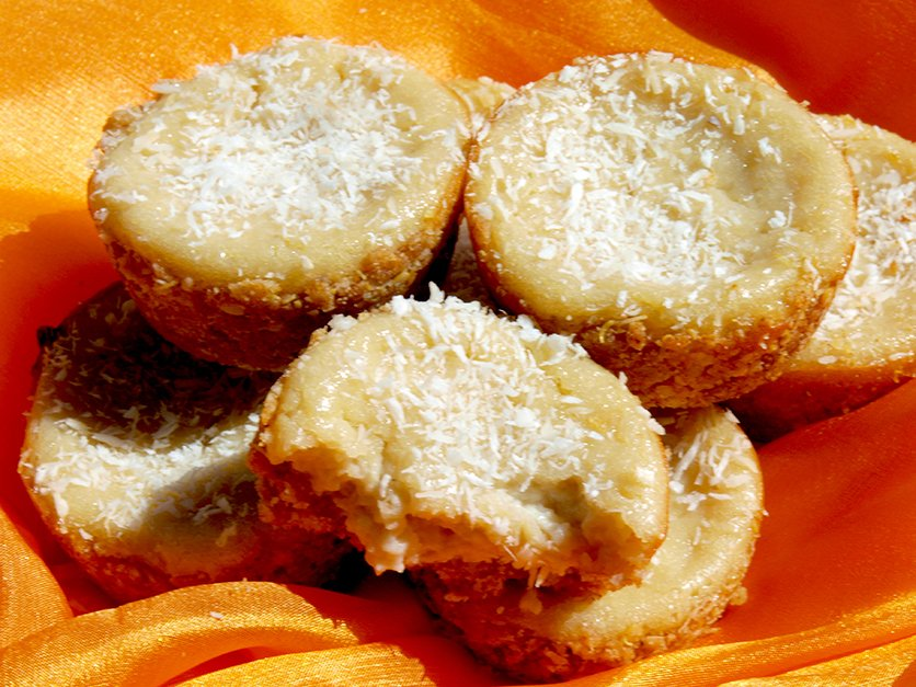 coconut and creamy mini pies and wendy's nut free pie crust